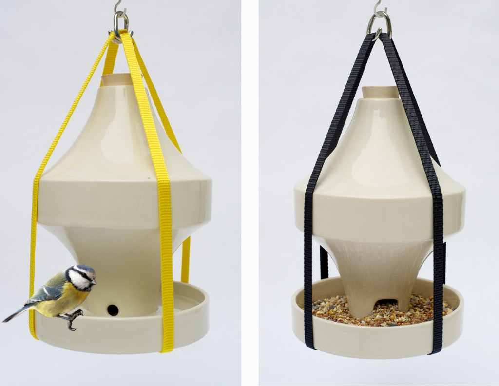 Birdfeeder w bird 1+grey feeder